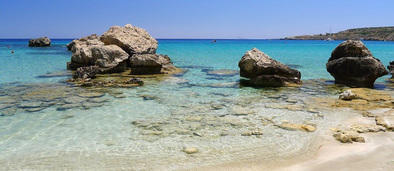 Beautiful beach in Konnos bay (1280 - 853)
